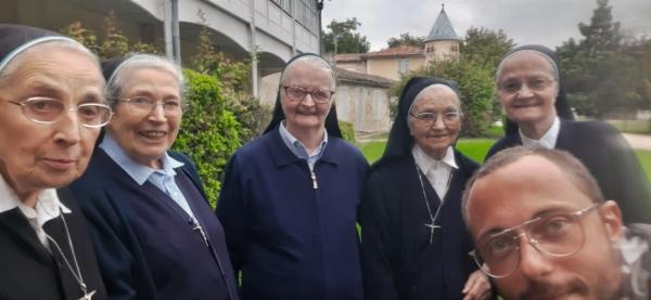 Au Couvent de l'Ermitage Lamourous avec les sœurs