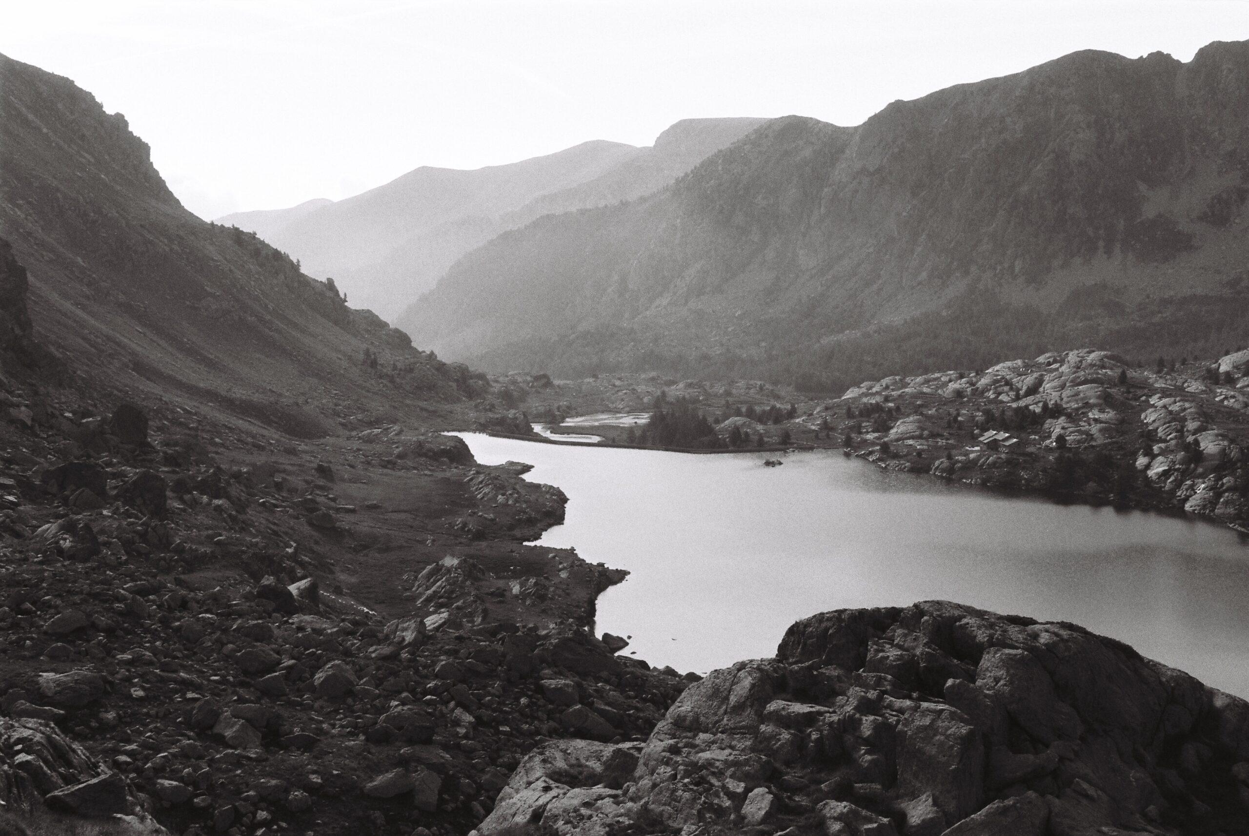 Lac long supérieur dans le Mercantour